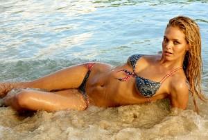 Erin Heatherton Ce top modèle a elle aussi eu la chance de poser pour Sport illustrated, pour notre plus grand plaisir