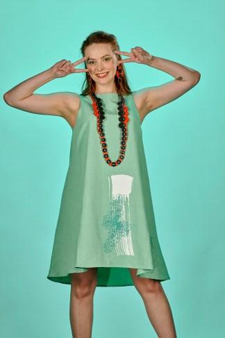 robe été vert amande brodée à la main