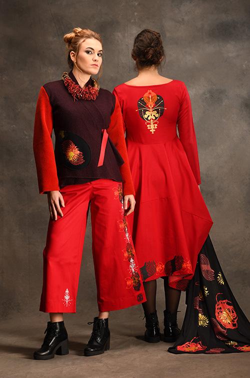 pantalon-robe-rouge-veste-prune-vetements-mode-michele-forest