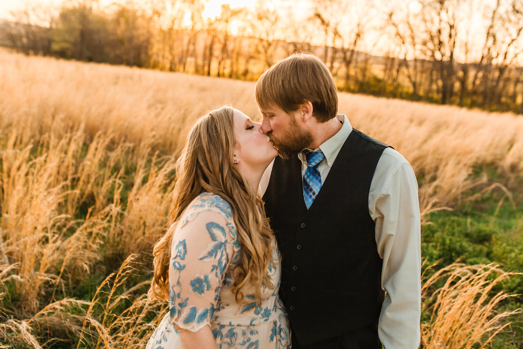 Franklin-Tennessee-Maternity-Styled-Floral-Dress-Field-Golden-Kiss