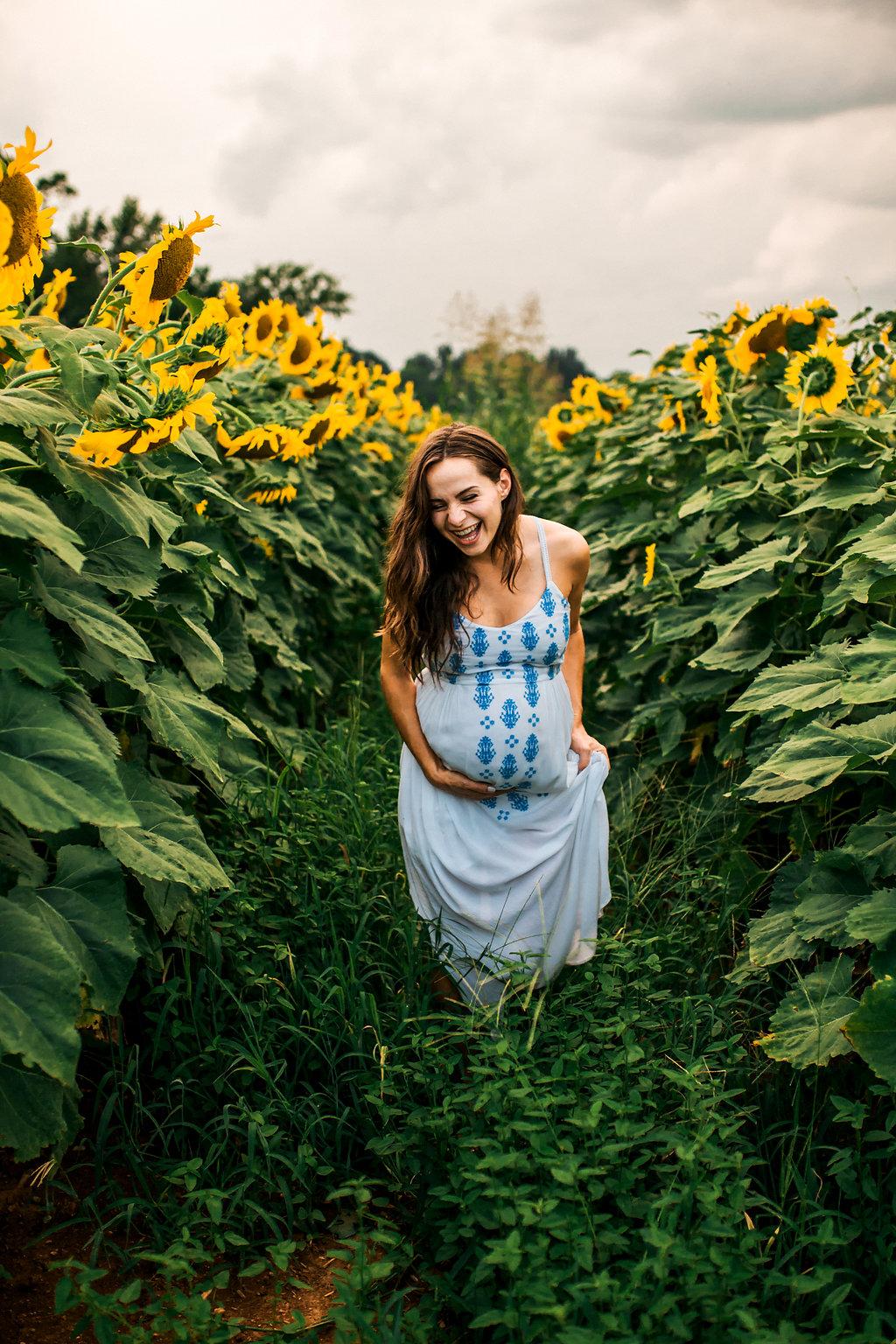 Sunflower-Maternity-Nashville-Tennessee-Field-Batey-Farms-21