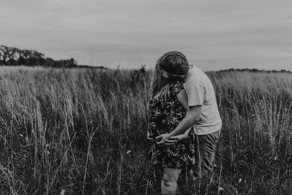 Tennessee-City-Field-Couples-Maternity-Alpha-Gal-16