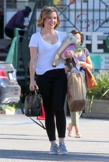 sophia-bush-street-style-whole-foods-in-west-hollywood-2-9-2016-4[1]