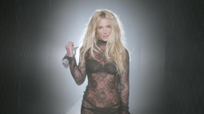 normal_Britney_Spears_-_Make_Me_1080_290[1]