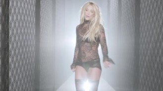 normal_Britney_Spears_-_Make_Me_1080_538[1]
