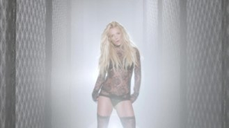 normal_Britney_Spears_-_Make_Me_1080_567[1]