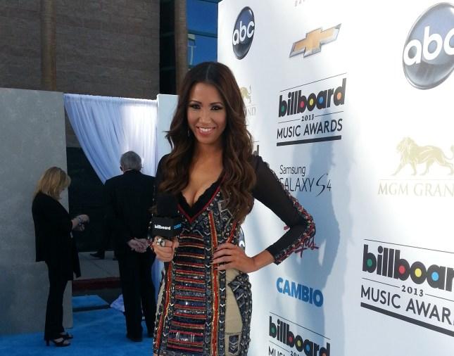 #MMSteez - Billboard Music Awards LiveStream: Styled by Adeel Kahn - Dress: Falguni & Shane Peacock | Jewelry: Lia Sophia | Shoes: Q by Pasquale