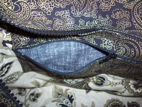 inside-zippered-pocket
