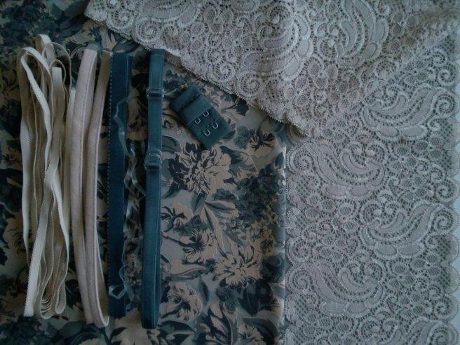 devore-cotton-lace