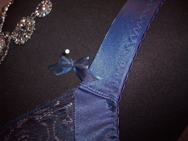 strap-bow
