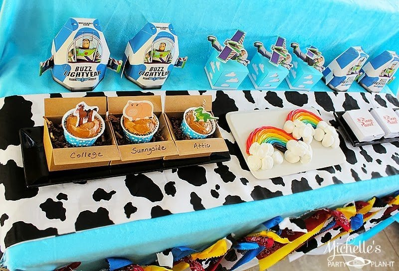 toy story party table