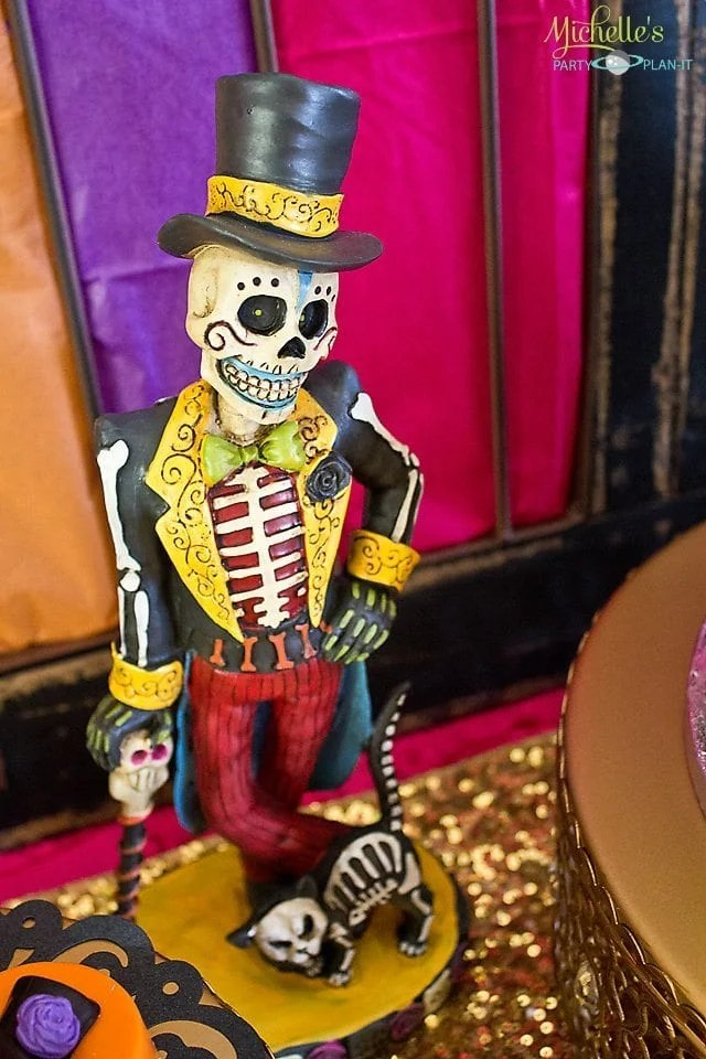 Day of the Dead Party Figuerine