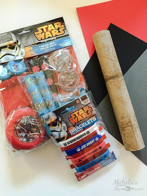 DIY Star Wars Lightsaber Party Favors