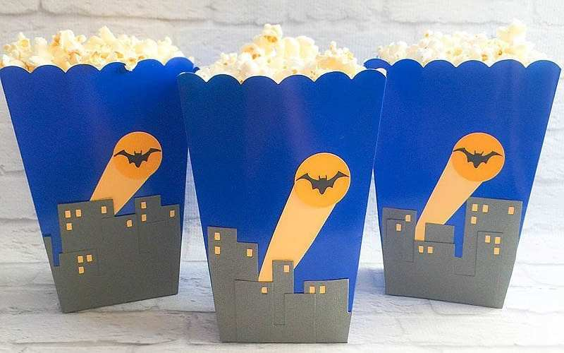 DIY Super Hero Treat Boxes   Party Ideas