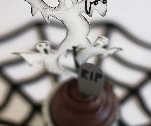 Spooky Ghost Cupcake Toppers   Halloween Tutorial