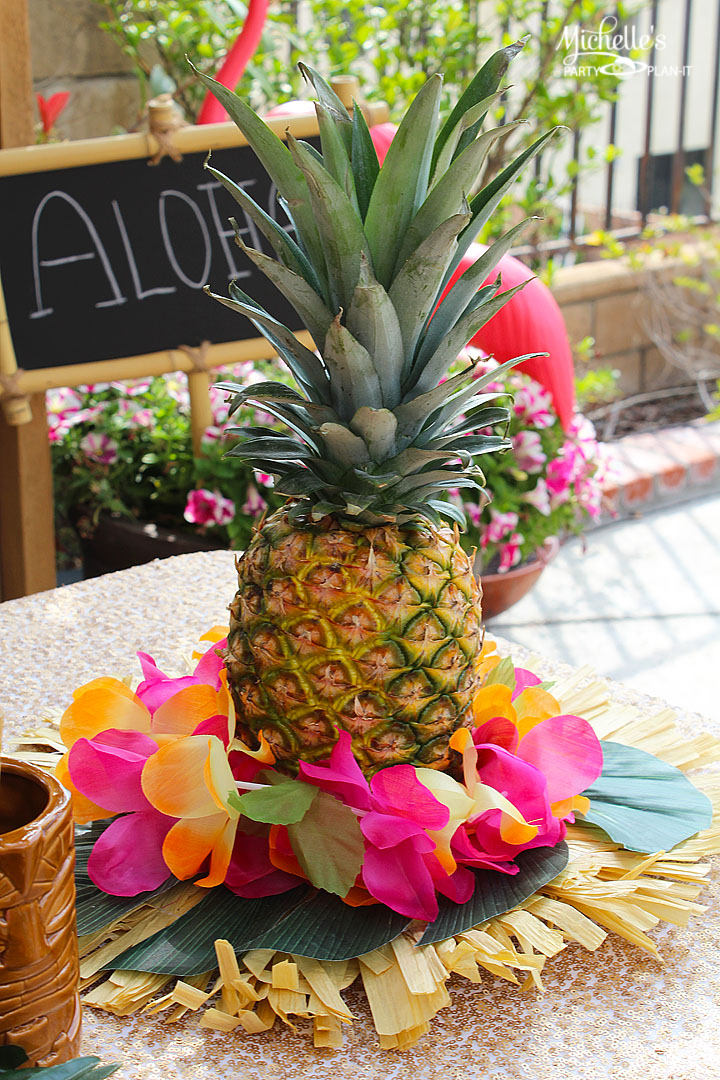 Easy Pineapple Luau Centerpiece Michelle S Party Plan It
