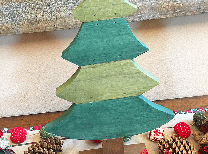 Rustic christmas tree 1