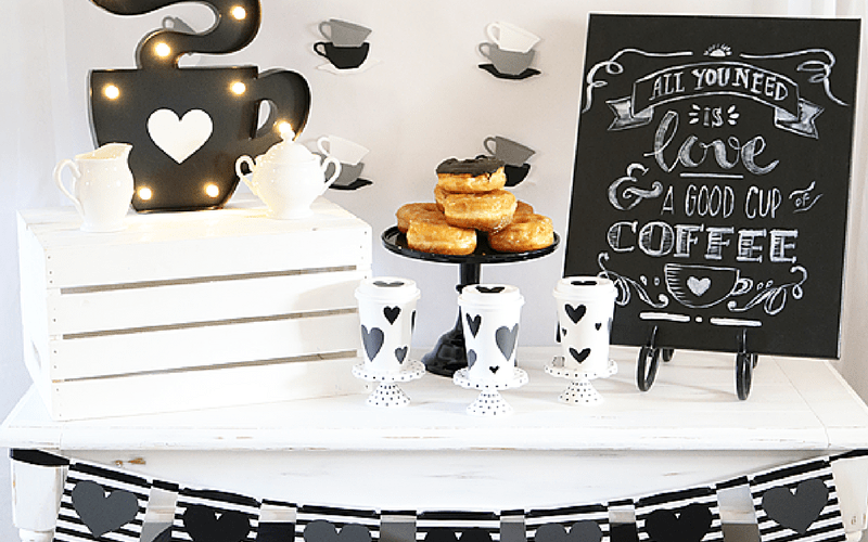 All you need is love and coffeeparty tablesetup 1