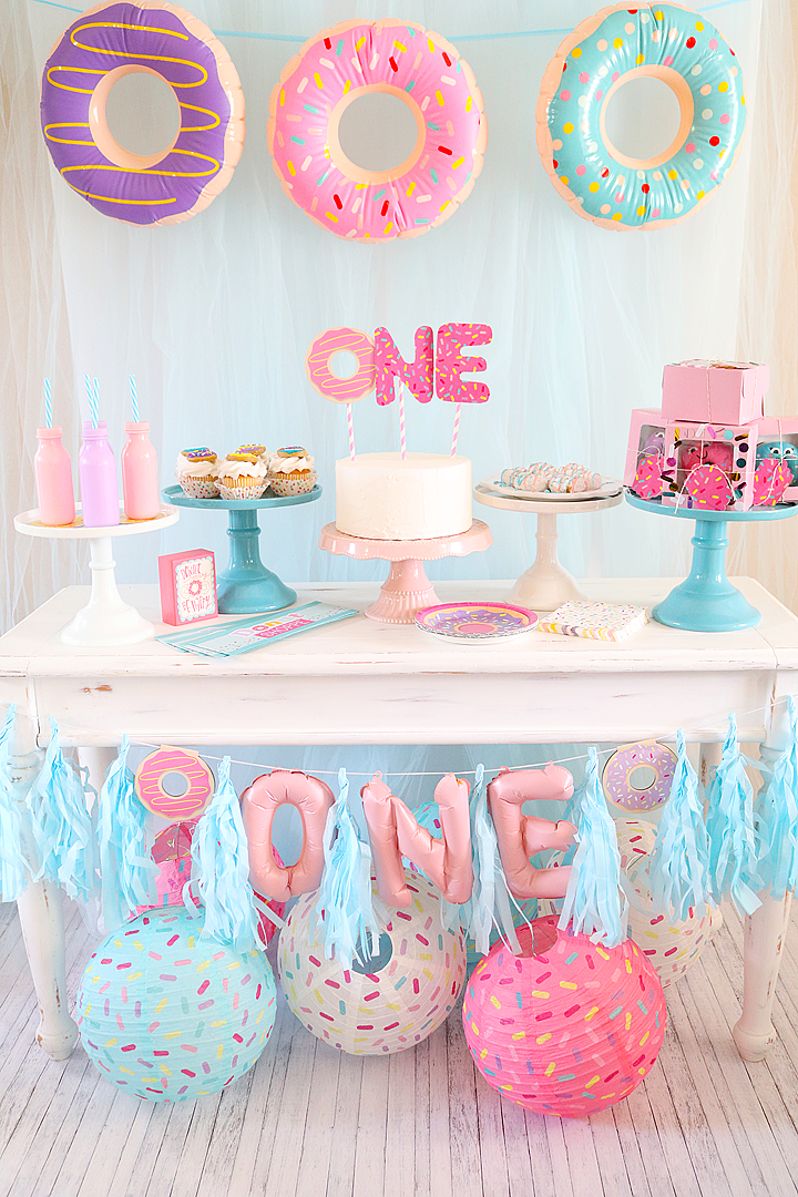 Donut 1st birthday party donut party ideas michelle 39 s for Baby birthday ideas of decoration