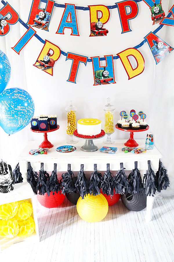 THOMAS & FRIENDS™ BIRTHDAY PARTY