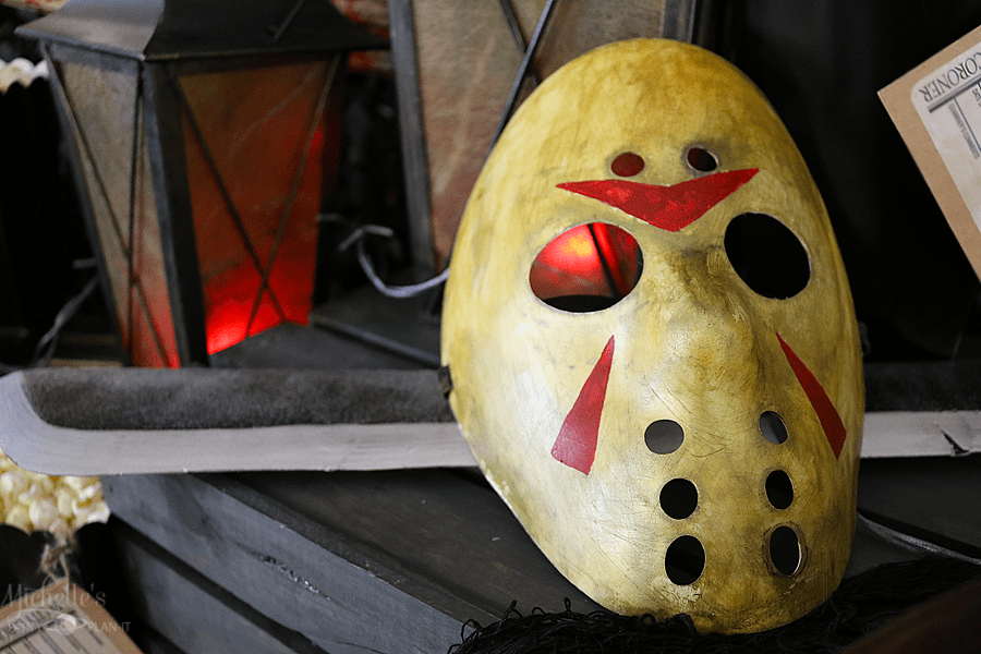 DIY Scary Movie Hockey Mask