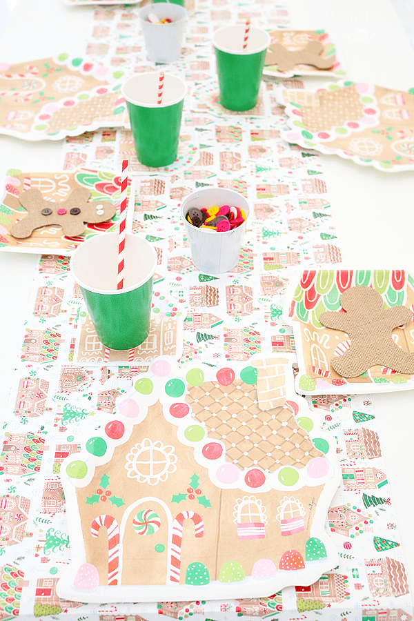 Gingerbread Party Tablescape