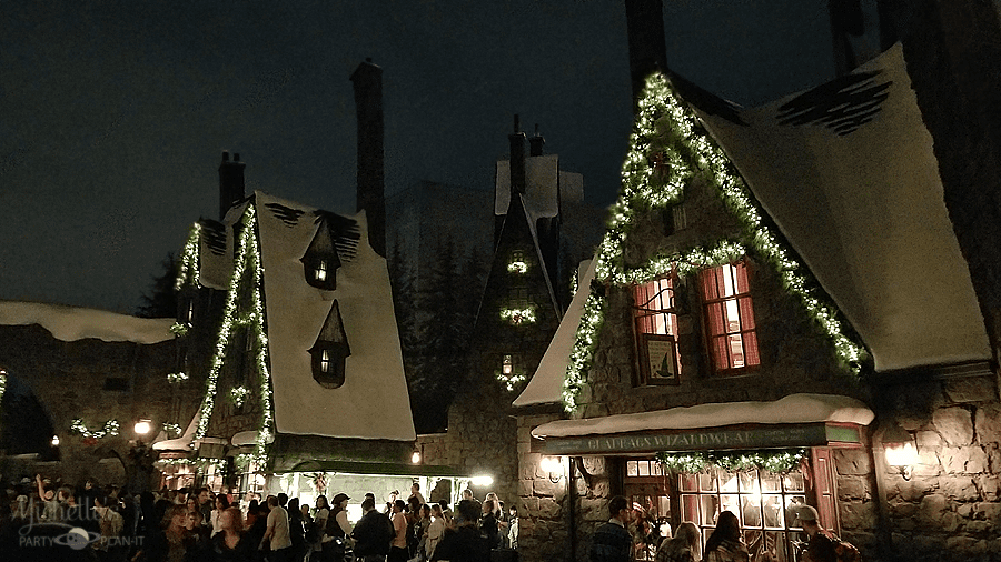 hogsmeade at christmas - When Does Universal Studios Hollywood Decorate For Christmas
