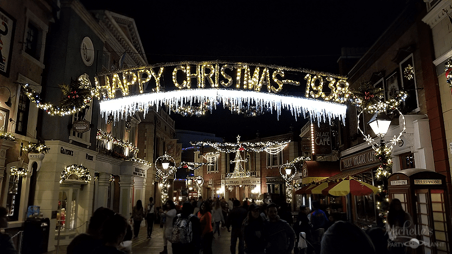 Universal Studios Hollywood Christmas Decorations
