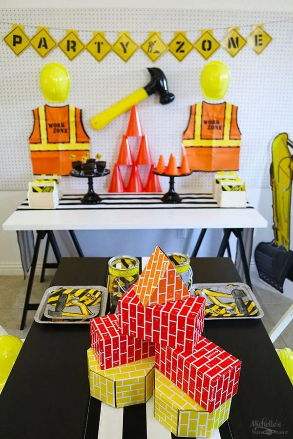 construction zone birthday party table