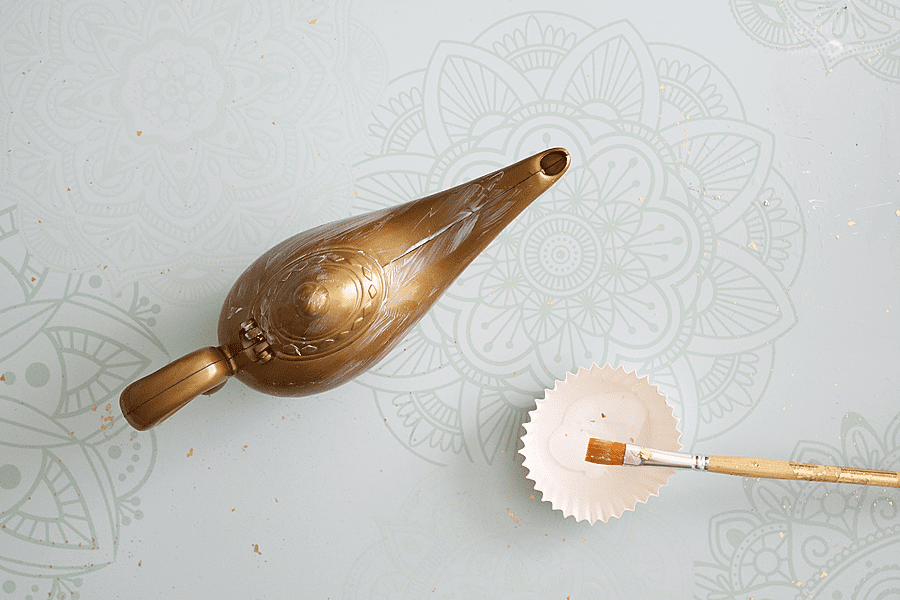 how to transform a genie lamp toy to table top decor