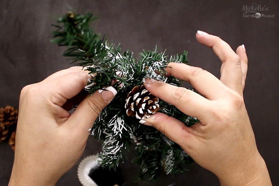 DIY FARMHOUSE TREE pinecone