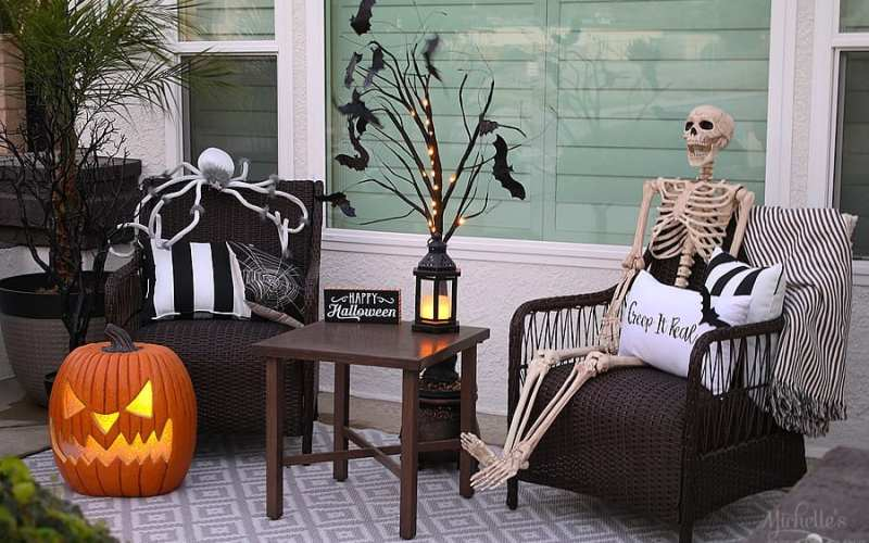Easy halloween porch decor ideas 5