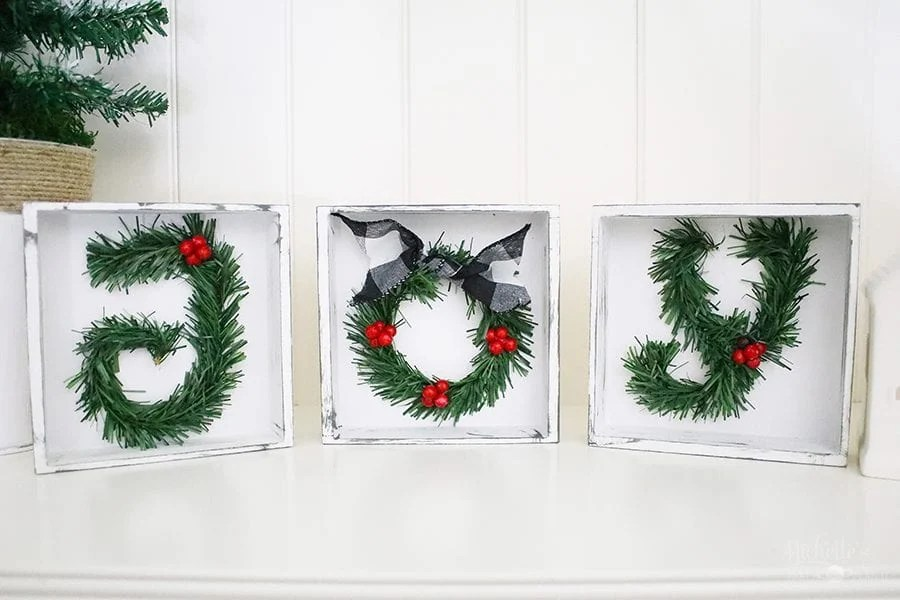 Easy DIY Christmas Sign – Tabletop Decor Idea