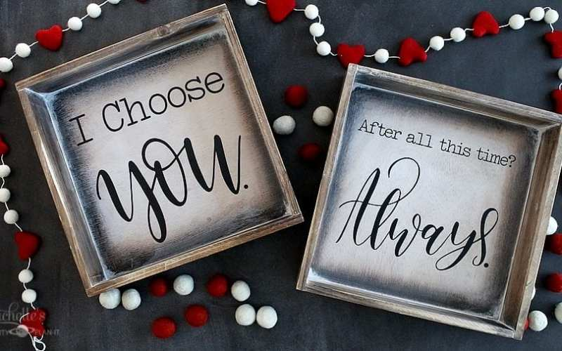 Easy Farmhouse Signs – DIY Valentine's Day Decor