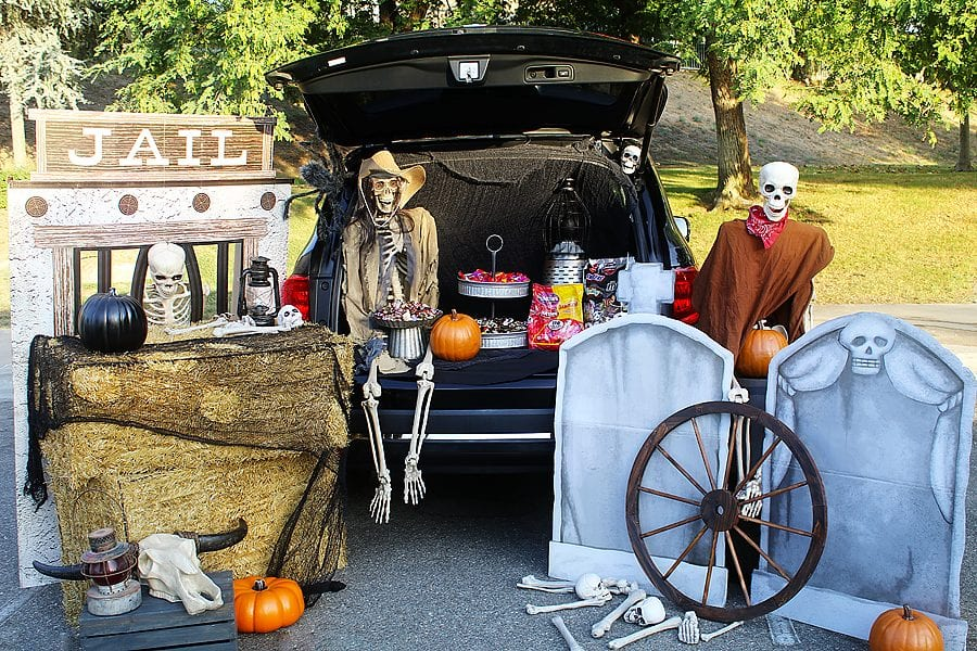 Ghost town trunk or treat ideas