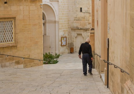 sunday stroll in birgu