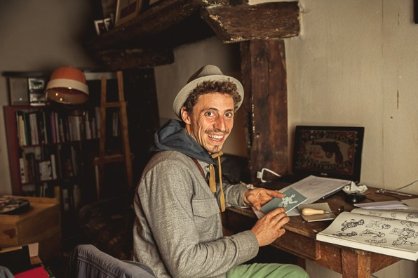Portrait posé avec éclairage additionnel