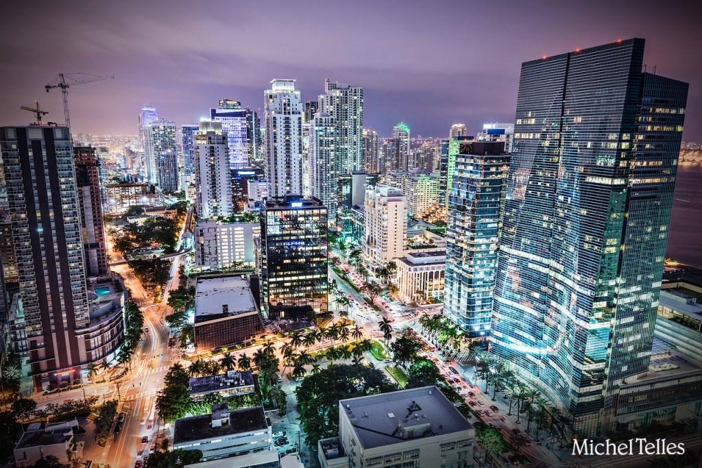 Imóveis na Florida e Construção de 20 clínicas em Miami