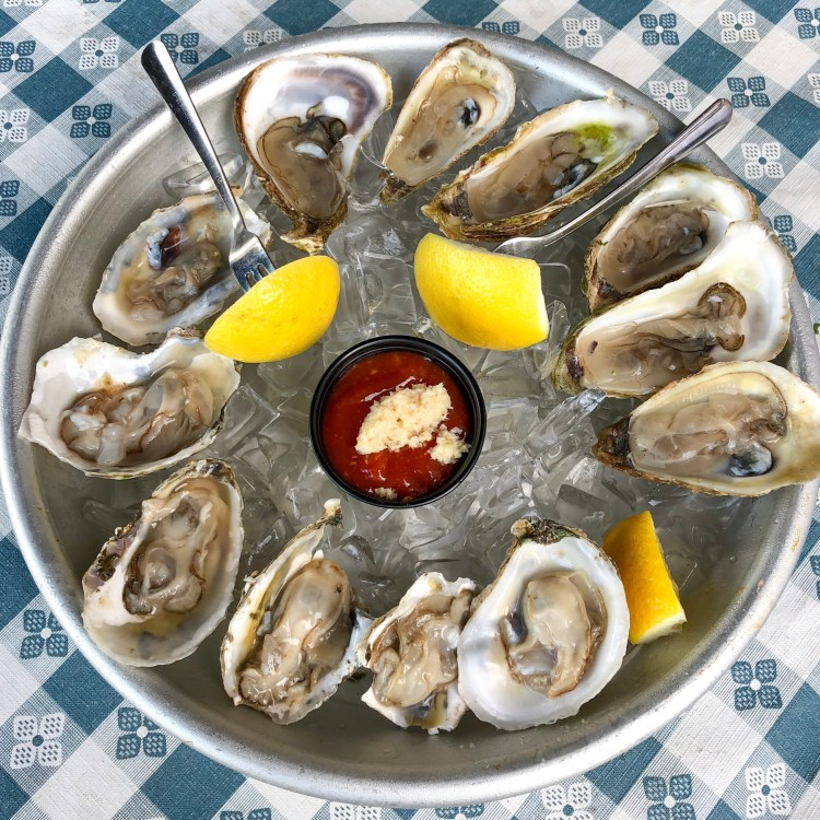 Tom's Oyster Bar Royal Oak Michigan