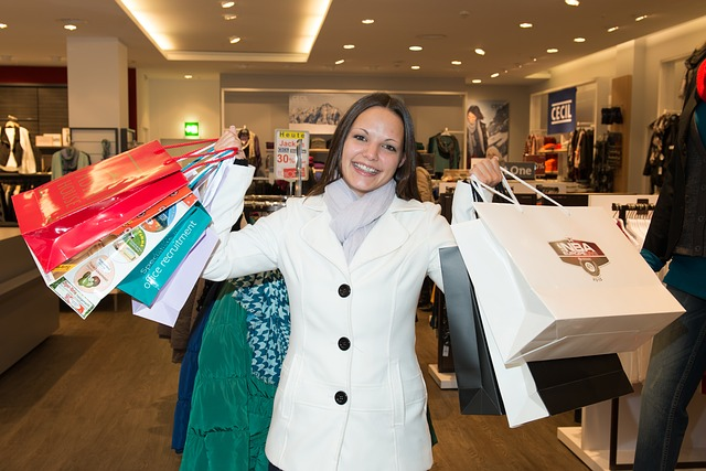 Stats on Women's Holiday Spending