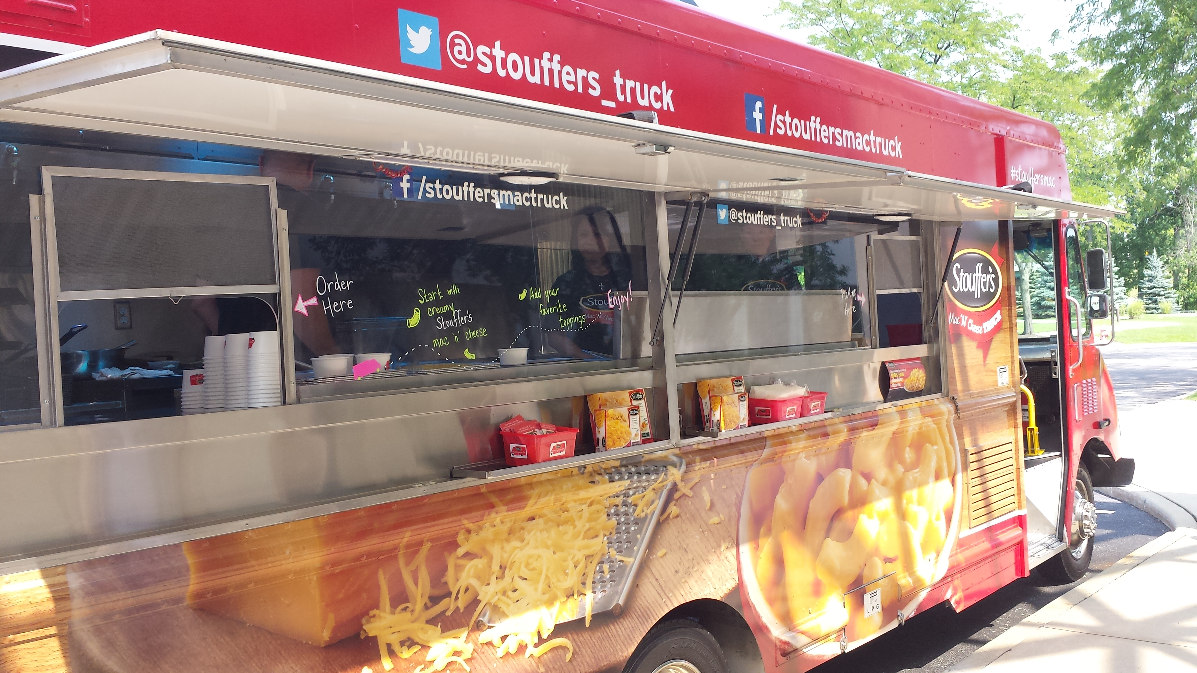 #Stouffer's Mac and Cheese #FoodTruck Brings #Wolverine Spirit to Home-Opener