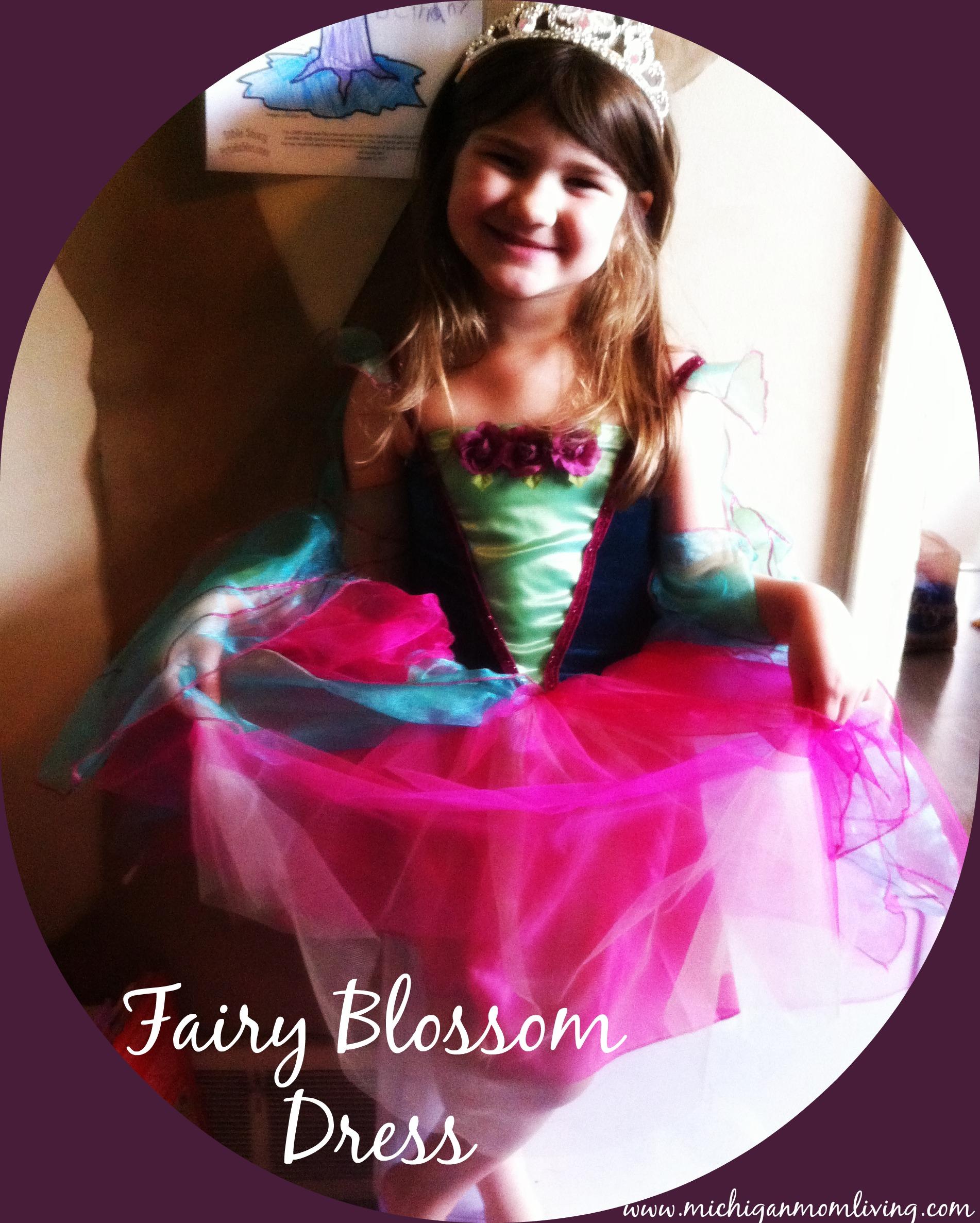 Back to Preschool: The Benefits of #PretendPlay…..PLUS Fancy Nancy Costume Giveaway Ends 10/16