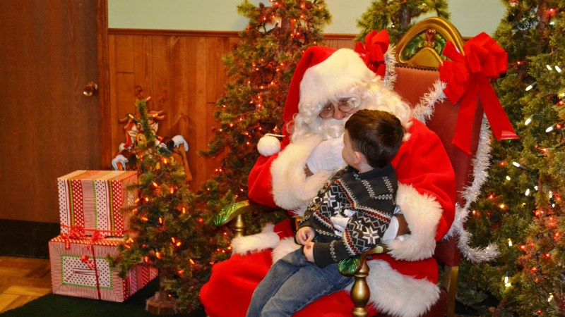 Mildford Welcomes Santa, Holiday Shopper 12/3