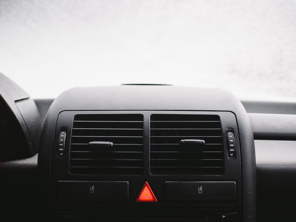 How to Stay Warm in your Vehicle When the Heater Breaks