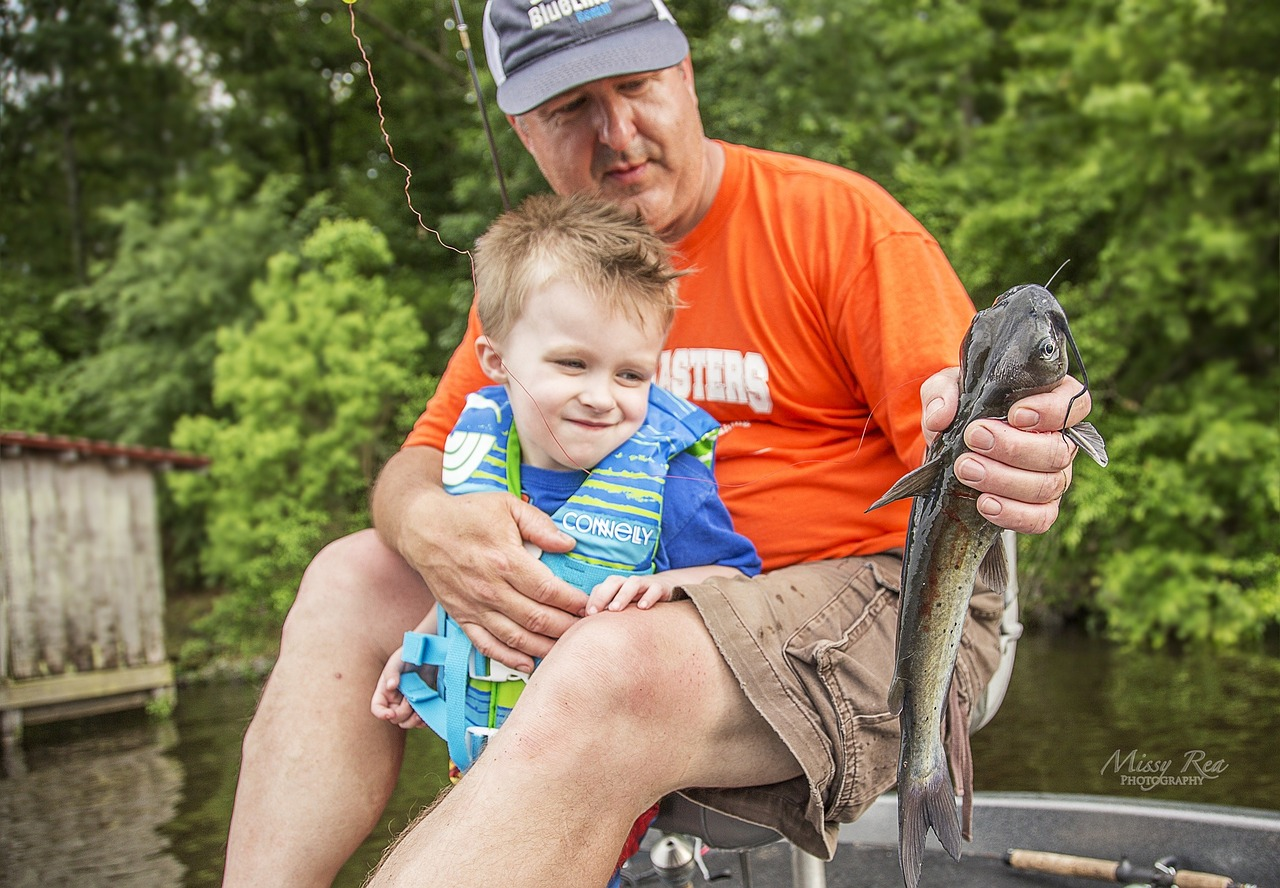 Teaching Your Kids to Fish in Michigan {Guest Post}
