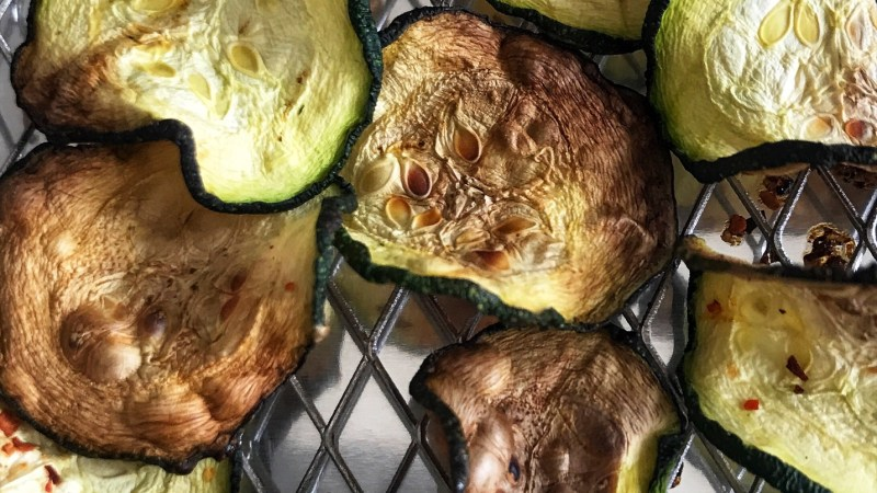 How to Make Zucchini Chips Using an Air Fryer
