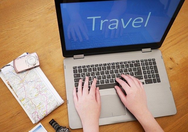 Simple Ways to Safely Book Your Trip – Infographic
