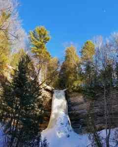 Munising Falls - Michigan Travelist