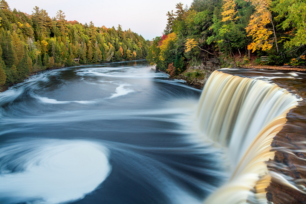 Tahquamenon Falls Michigan Winter Wallpaper Fall Color At Upper Tahquamenon Falls Michigan In Pictures
