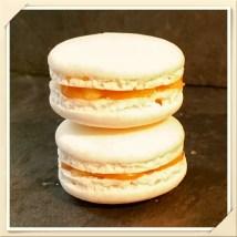 Macarons pomme caramel beurre salé .jpeg